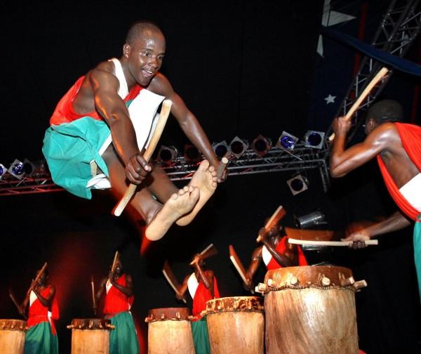 master_drummers_of_burundi_foto_1